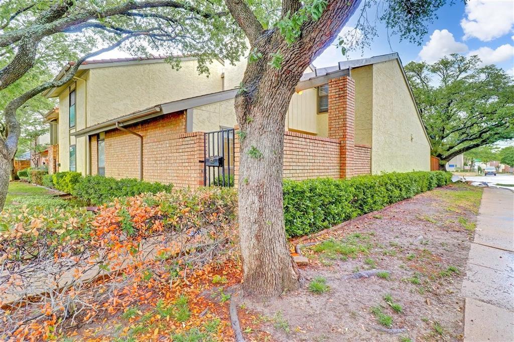 Active | 9528 Chimney Corner Lane Dallas, Texas 75243 2