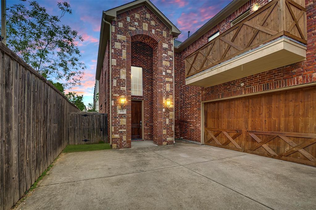 Active | 5911 Hudson Street Dallas, Texas 75206 0