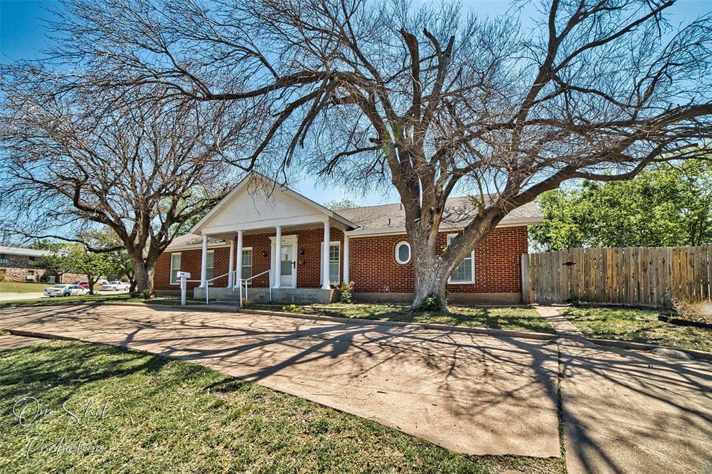Active Kick Out | 933 Washington Boulevard Abilene, Texas 79601 1