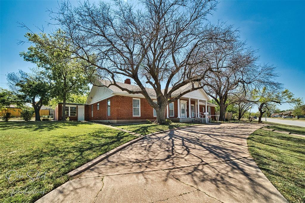Active Kick Out | 933 Washington Boulevard Abilene, Texas 79601 2
