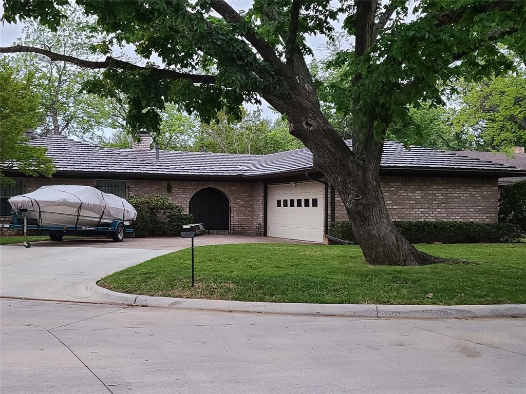 Pending | 1304 Ashbury Court Arlington, Texas 76015 1