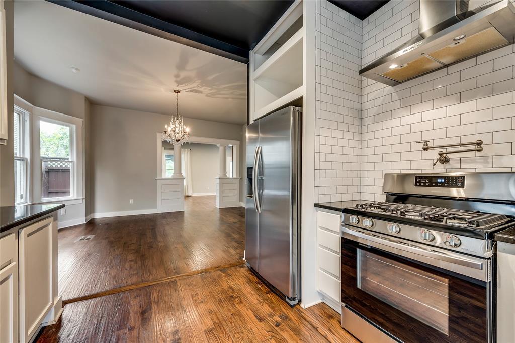 Sold Property   710 N Bishop Avenue Dallas, Texas 75208 12