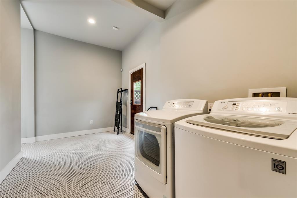 Sold Property   710 N Bishop Avenue Dallas, Texas 75208 18
