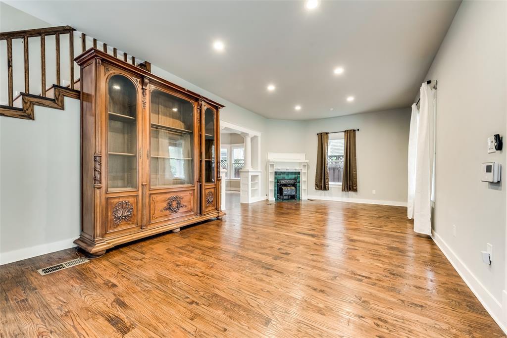 Sold Property   710 N Bishop Avenue Dallas, Texas 75208 6