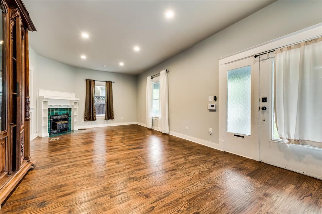 Sold Property   710 N Bishop Avenue Dallas, Texas 75208 7