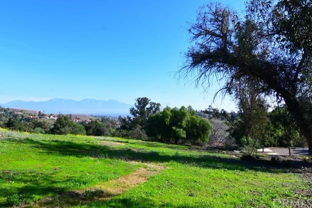 Active Under Contract   2264 Vravis Circle Chino Hills, CA 91709 3