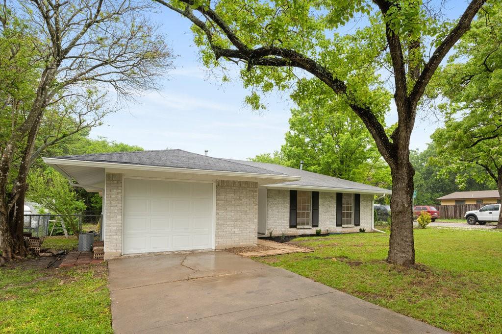 Pending | 9512 N Creek Drive Austin, TX 78753 3