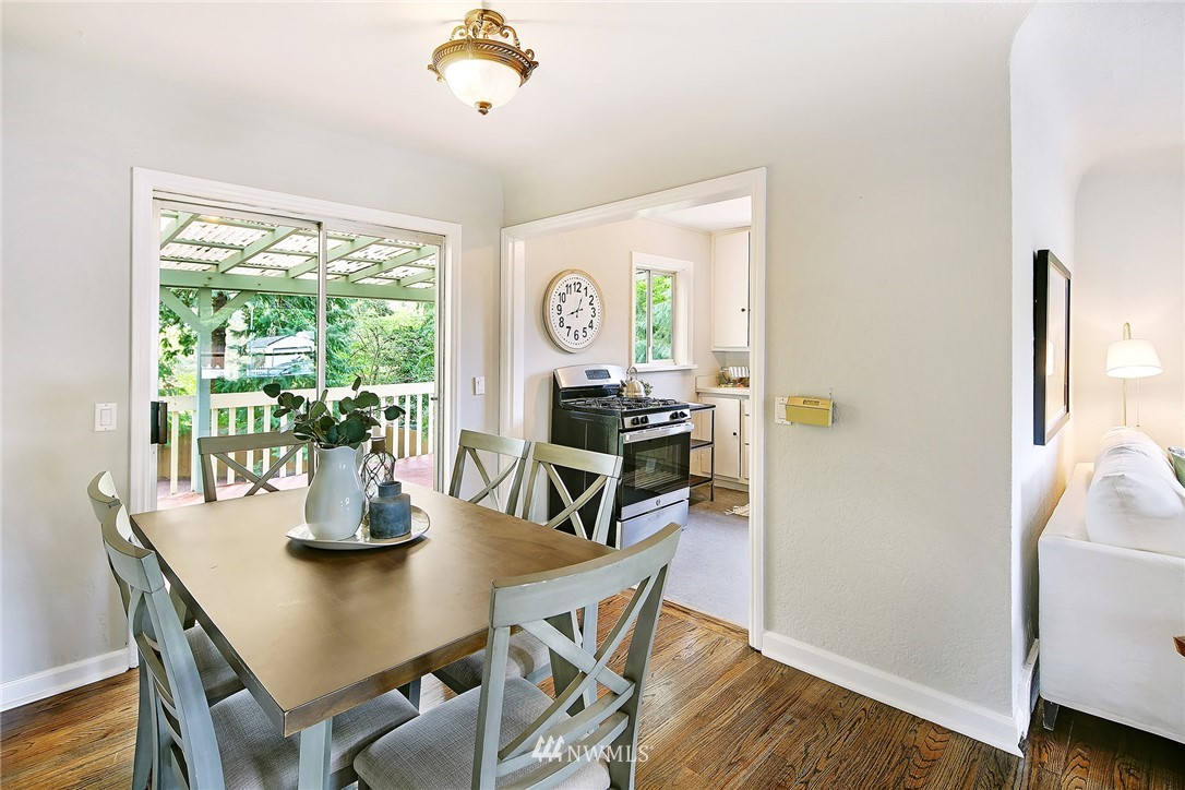 Sold Property | 1535 NE 107th Street Seattle, WA 98125 3