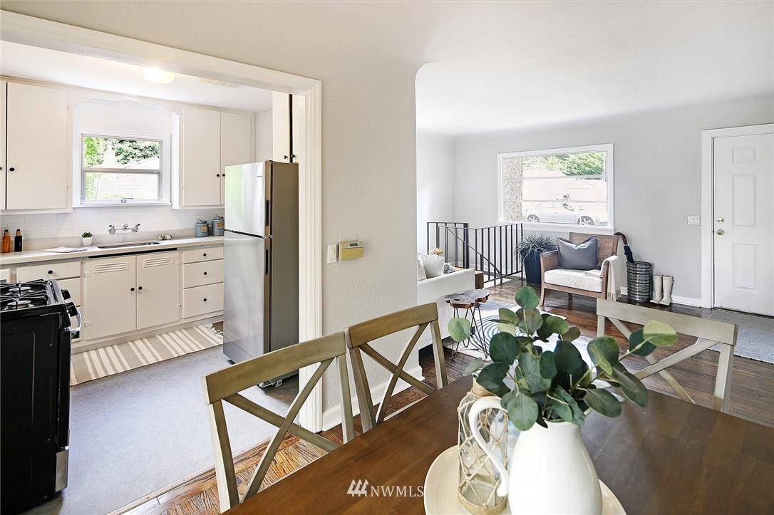Sold Property | 1535 NE 107th Street Seattle, WA 98125 4
