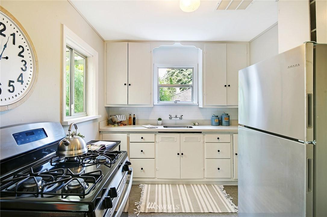 Sold Property | 1535 NE 107th Street Seattle, WA 98125 5