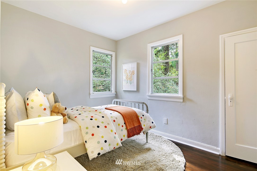 Sold Property | 1535 NE 107th Street Seattle, WA 98125 8