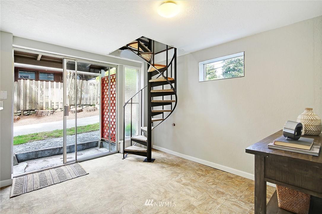 Sold Property | 1535 NE 107th Street Seattle, WA 98125 10