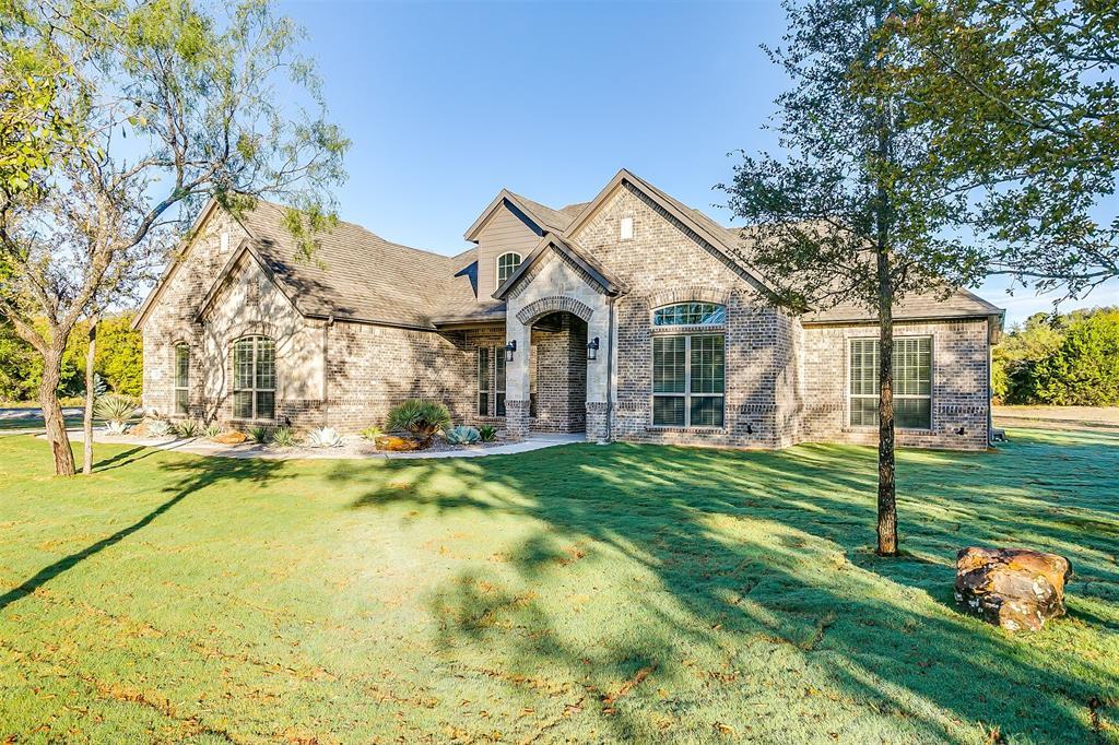 Active | 1026 Alex Drive Springtown, Texas 76082 2