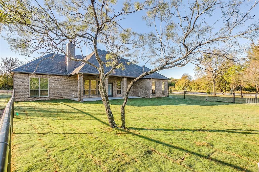 Active | 1026 Alex Drive Springtown, Texas 76082 3