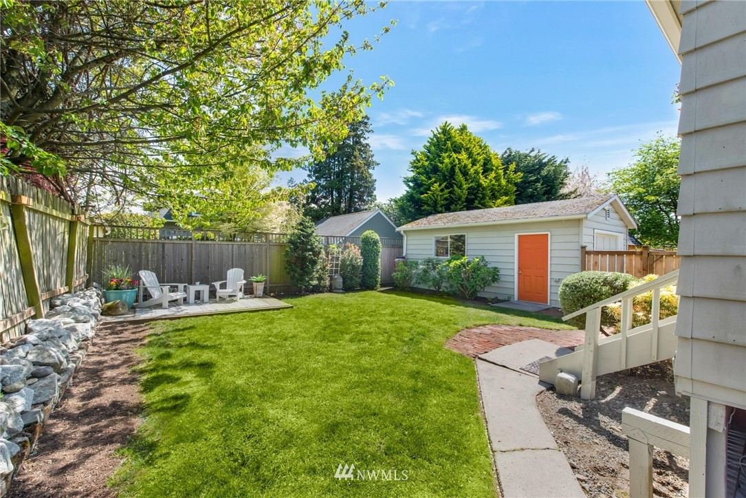 Sold Property   7046 24th Avenue NW Seattle, WA 98117 5