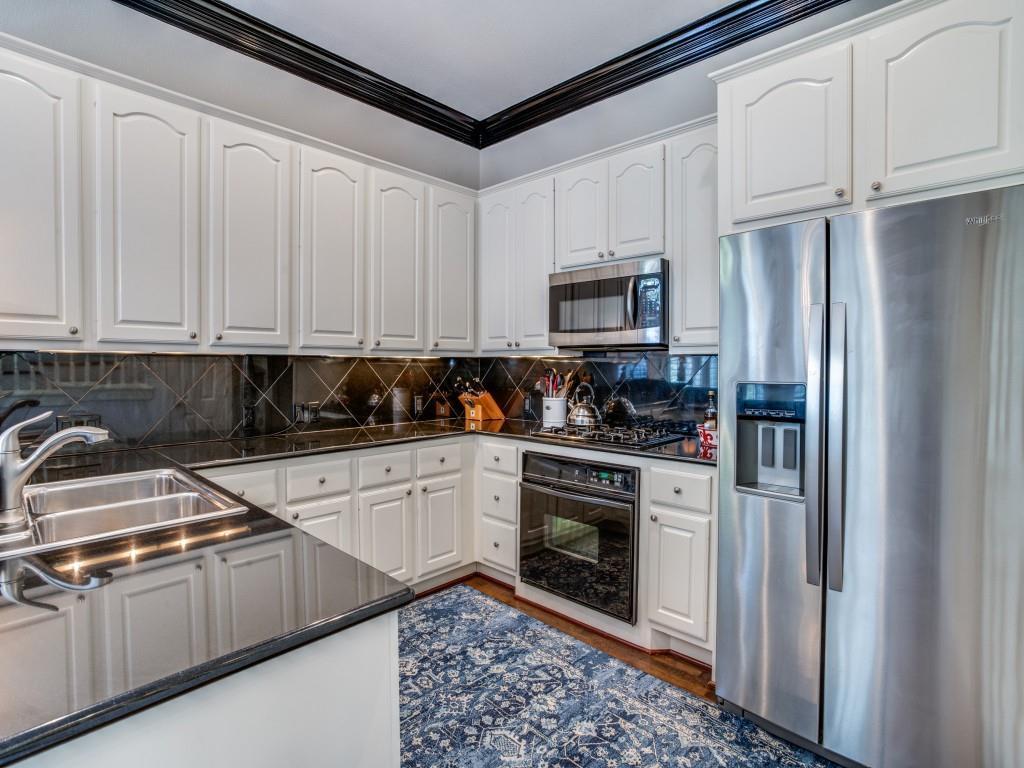 Sold Property   3902 Bowser Avenue Dallas, Texas 75219 17