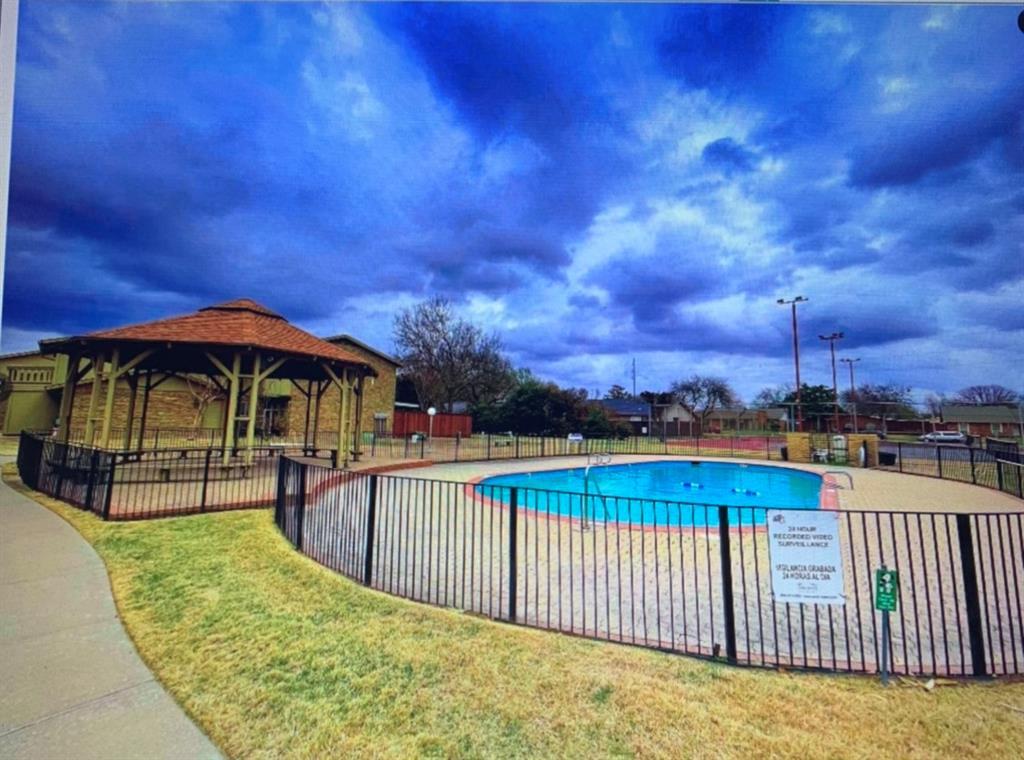Pending | 3004 East Park Garland, Texas 75044 7