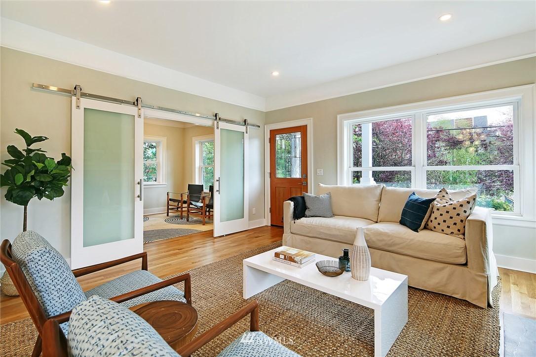 Sold Property | 6703 Fremont Avenue N Seattle, WA 98103 4