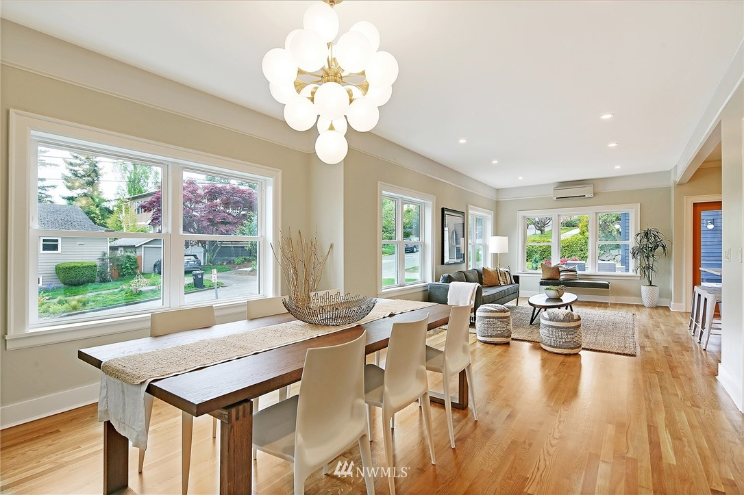 Sold Property | 6703 Fremont Avenue N Seattle, WA 98103 5