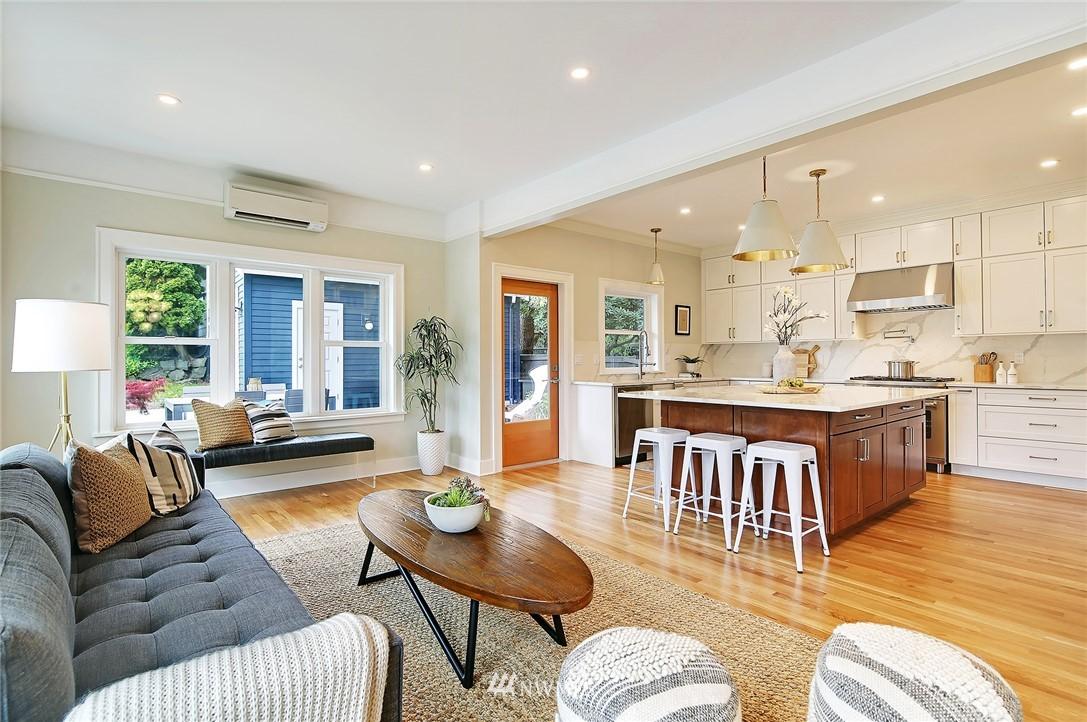 Sold Property | 6703 Fremont Avenue N Seattle, WA 98103 11