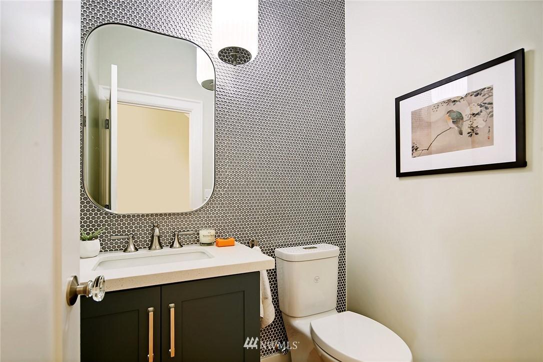 Sold Property | 6703 Fremont Avenue N Seattle, WA 98103 14