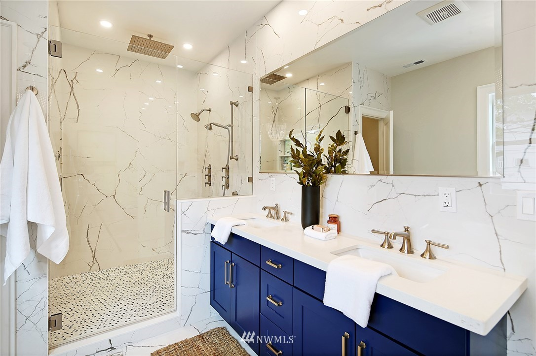 Sold Property | 6703 Fremont Avenue N Seattle, WA 98103 19