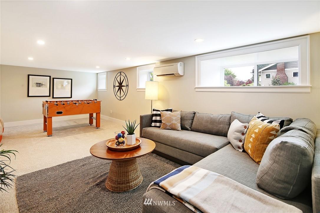 Sold Property | 6703 Fremont Avenue N Seattle, WA 98103 26
