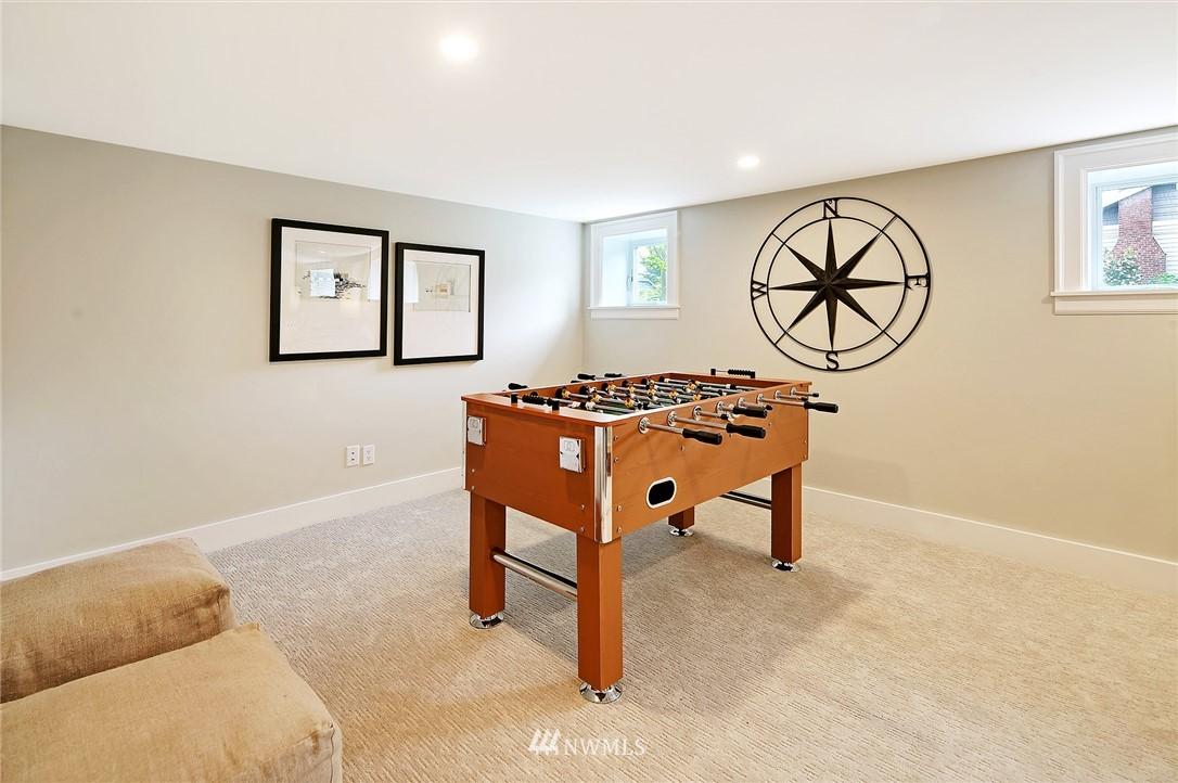Sold Property | 6703 Fremont Avenue N Seattle, WA 98103 27