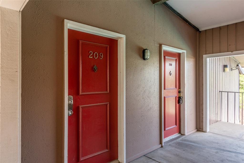 Active | 2627 Douglas Avenue #209 Dallas, Texas 75219 16