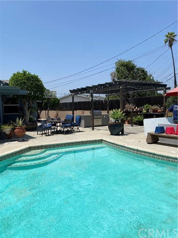 Pending   1409 W Glenmere Street West Covina, CA 91790 18
