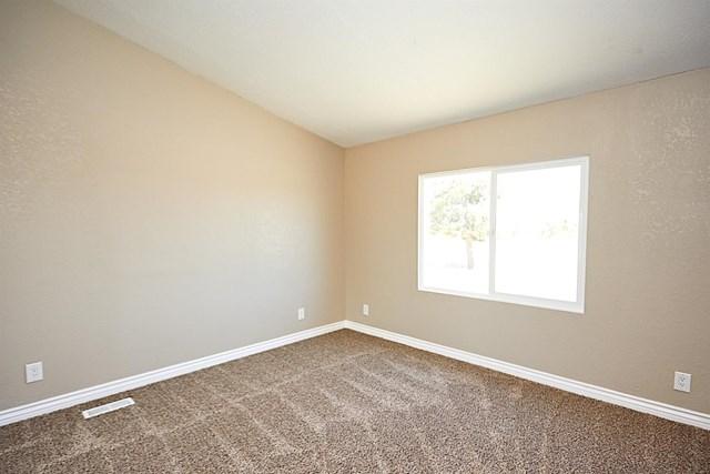 Closed   11232 Anderson Ranch Road Phelan, CA 92371 17