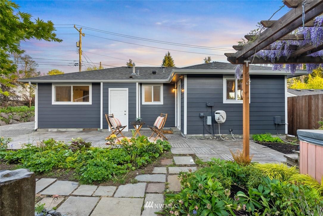 Sold Property   628 SW 107th Street Seattle, WA 98146 17