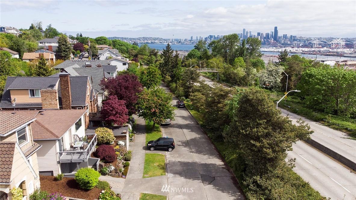 Pending | 4023 Fauntleroy Way SW Seattle, WA 98126 23