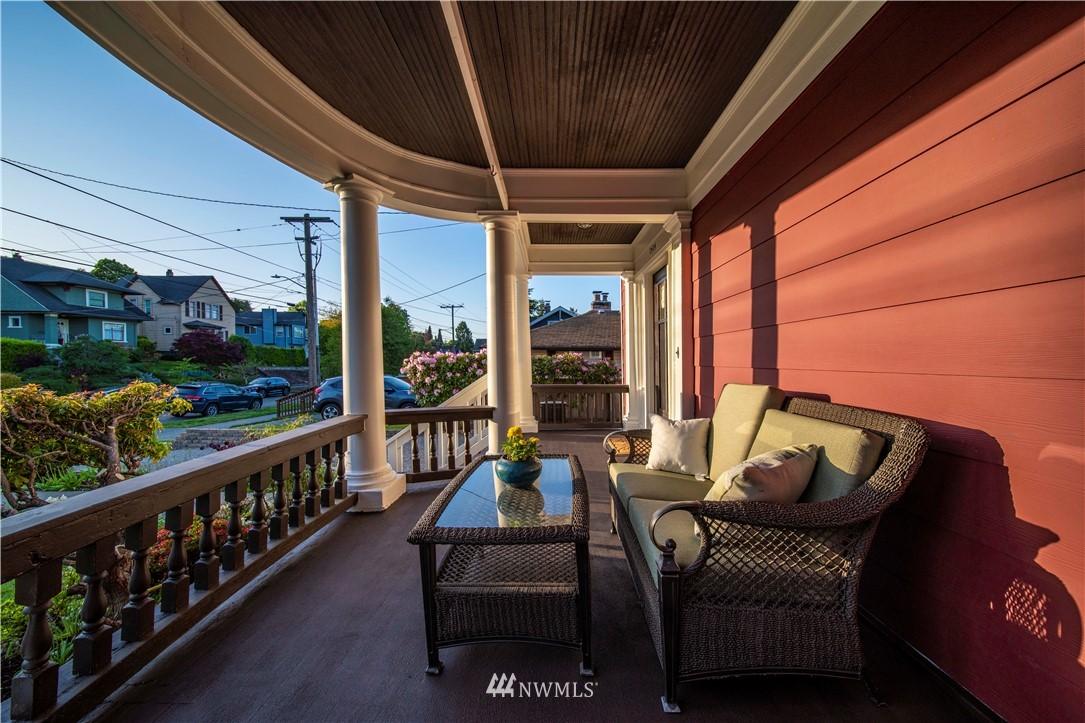 Sold Property | 1504 25th Avenue Seattle, WA 98122 4