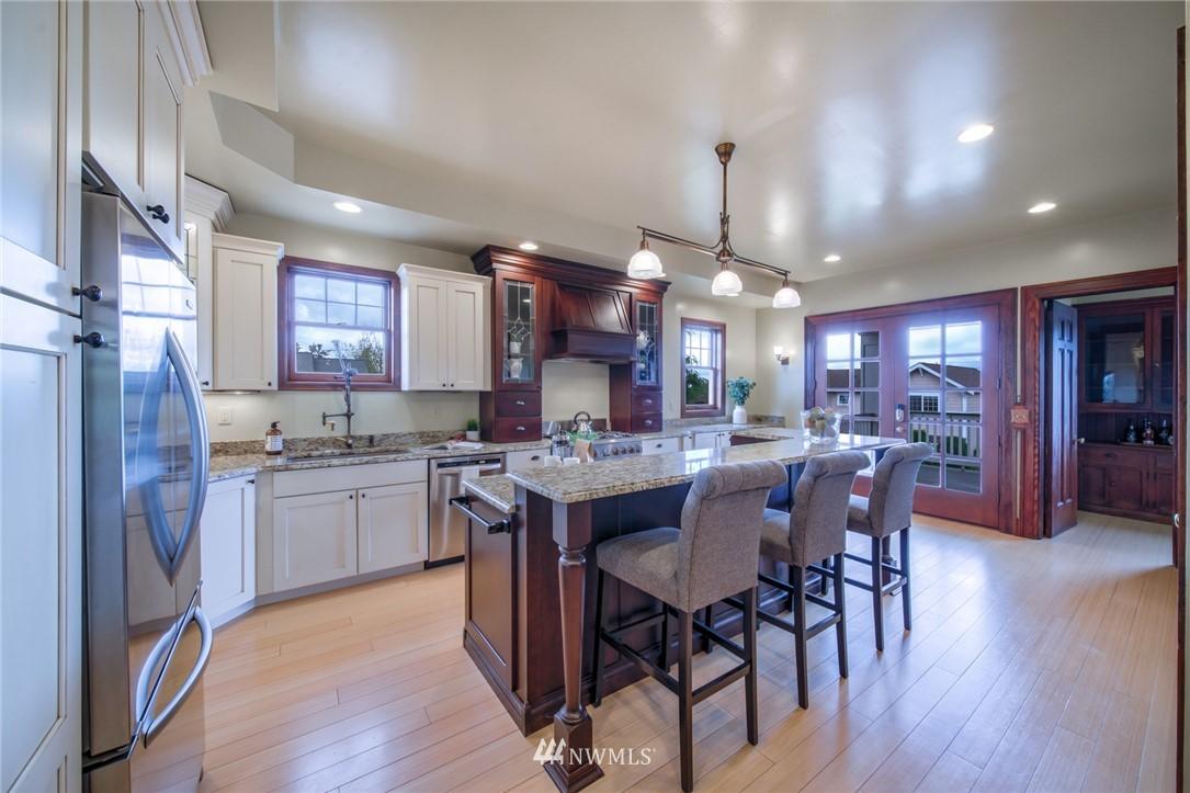 Sold Property | 1504 25th Avenue Seattle, WA 98122 10