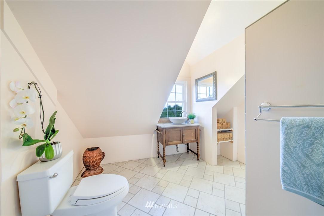 Sold Property | 1504 25th Avenue Seattle, WA 98122 27