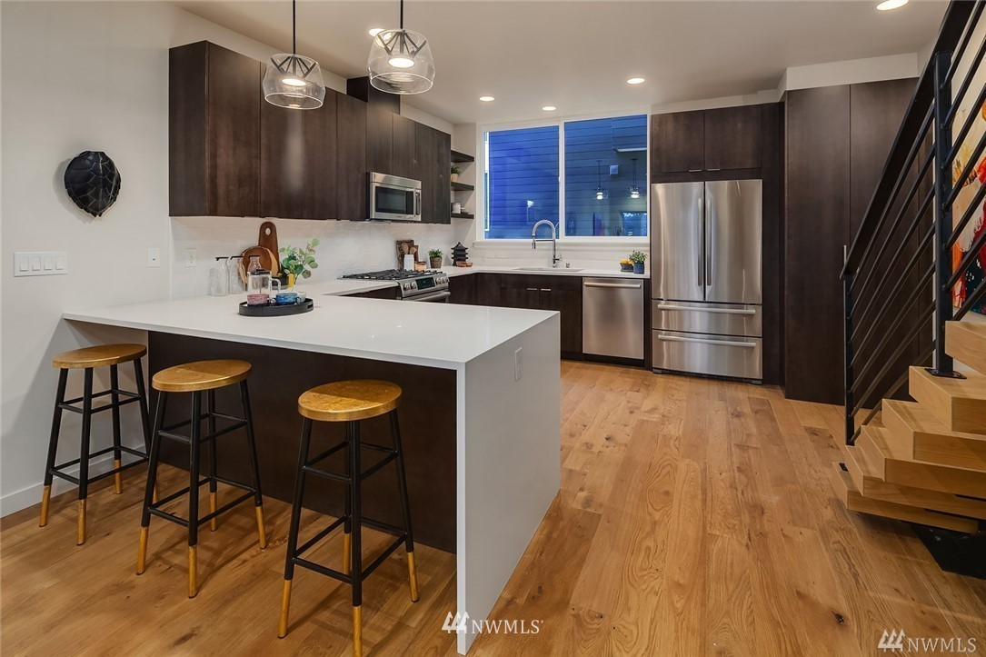 Pending | 2364 Franklin Avenue E #C Seattle, WA 98102 2