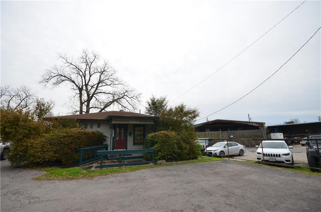 Active | 2917 Cherrywood Road Austin, TX 78722 13