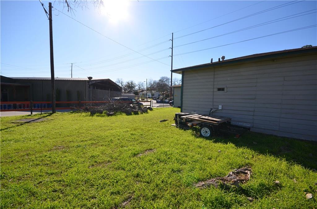 Active | 2917 Cherrywood Road Austin, TX 78722 14