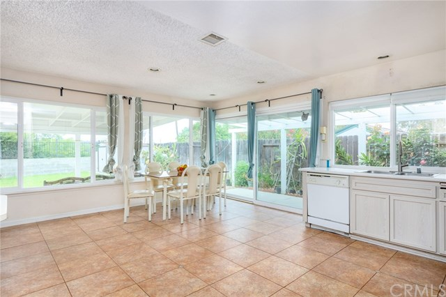 Pending | 2735 Brookfield Place West Covina, CA 91792 7
