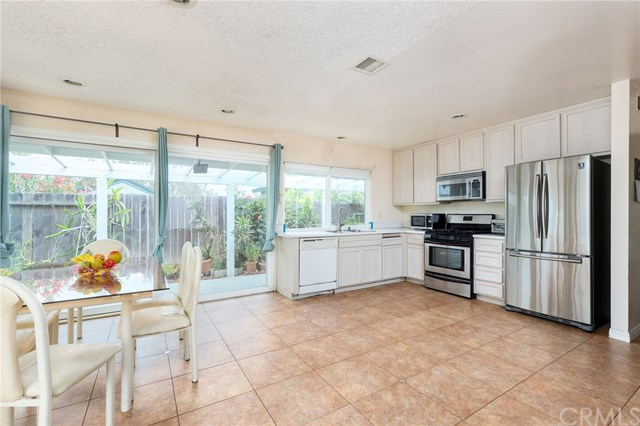 Pending | 2735 Brookfield Place West Covina, CA 91792 8