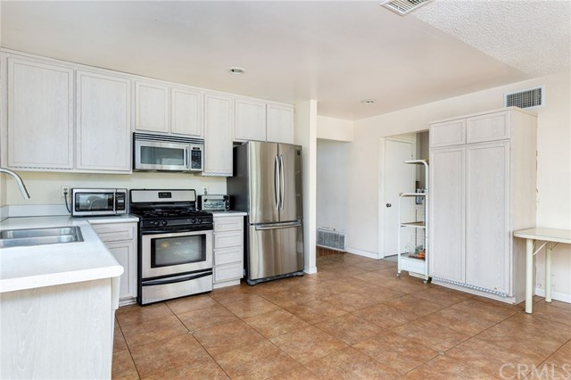 Pending | 2735 Brookfield Place West Covina, CA 91792 9