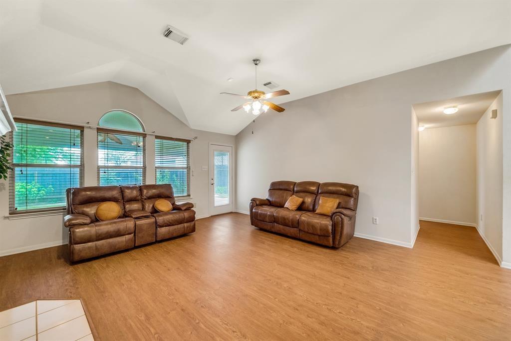 ActiveUnderContract | 11100 Seay Street Austin, TX 78754 9