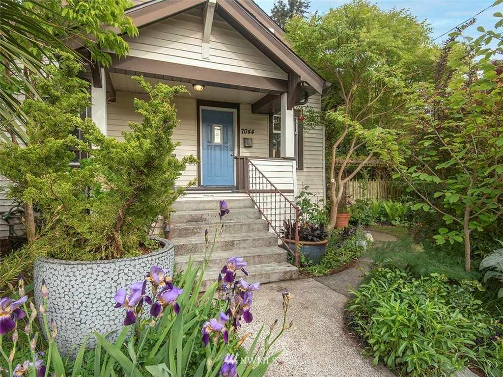 Sold Property | 7044 Mary Avenue NW Seattle, WA 98117 30