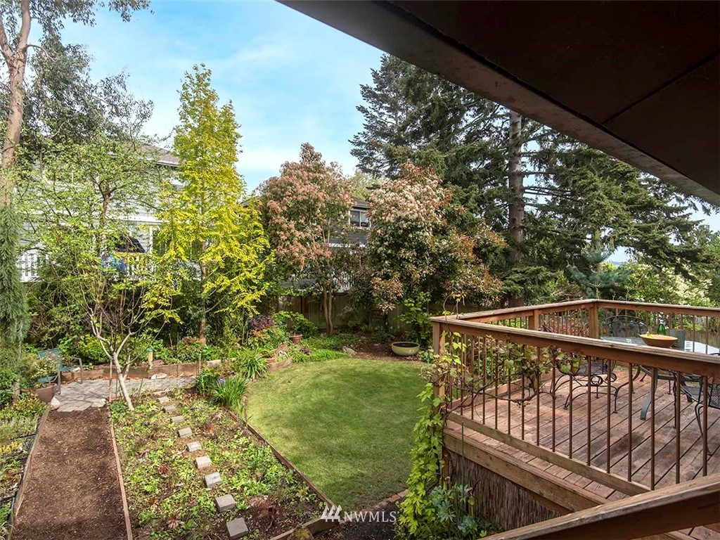 Sold Property | 7044 Mary Avenue NW Seattle, WA 98117 23