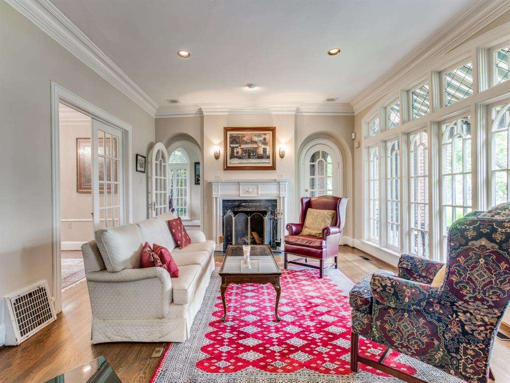 Sold Property | 6633 Country Club Circle Dallas, Texas 75214 11