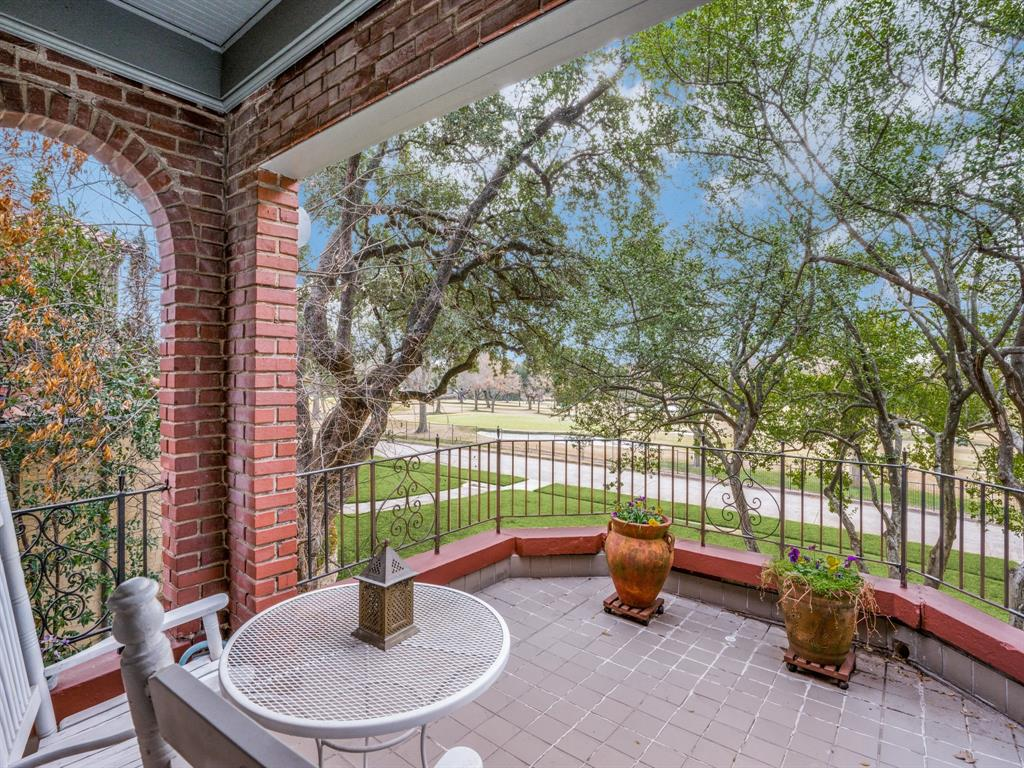 Sold Property | 6633 Country Club Circle Dallas, Texas 75214 21