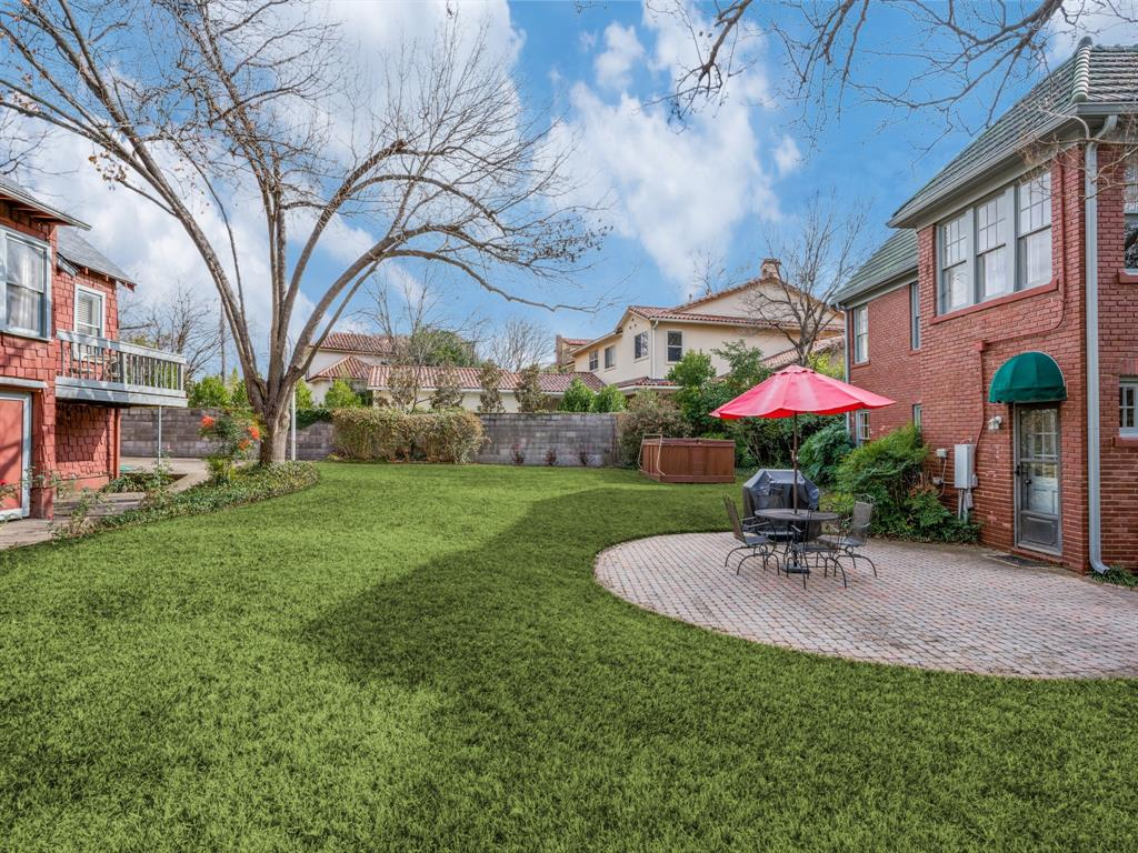 Sold Property | 6633 Country Club Circle Dallas, Texas 75214 30