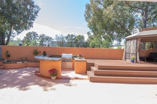 Active Under Contract   5 Via Hacienda Rancho Santa Margarita, CA 92688 30