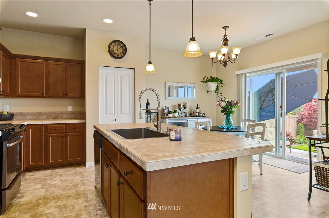 Sold Property | 2119 57th Street SE Auburn, WA 98092 12